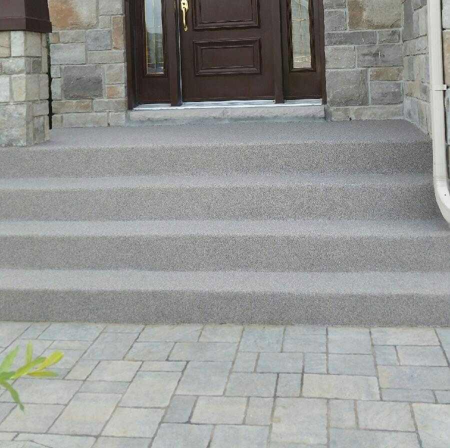 Rev tement de b ton ultra tech r paration b ton for Recouvrir un escalier exterieur en beton
